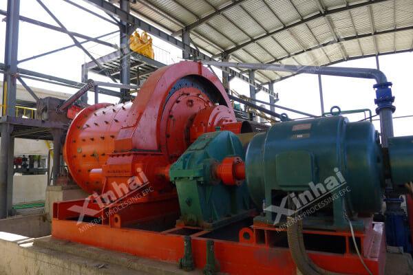氧化铁球磨机的工作原理和特点